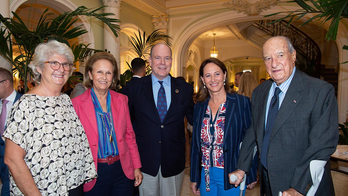 Photo de groupe avec Sandra Braggiotti, Patricia Husson, SAS le Prince Albert II, Ségolène Royal et Enrico Braggiotti